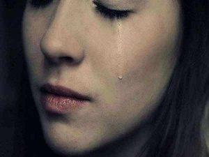 Mơ thấy mình khóc đánh con gì? Ý nghĩa giấc mơ