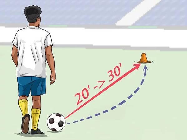 Hướng dẫn cách đá bóng xoáy không phải ai cũng biết